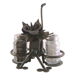 Chubby Nuts Cat Salt & Pepper Holder