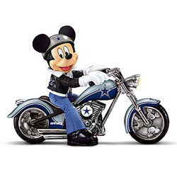 Dallas Cowboys Headed For Victory Mickey Mouse Figurine