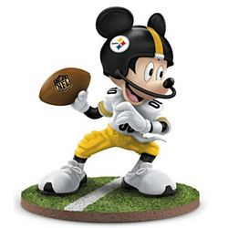 Mickey Mouse Pittsburgh Steelers Quarterback Hero Figurine