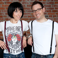 Women's Tres Chic Matte Suspenders