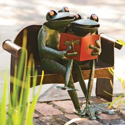 Handmade Recycled Metal Frog Couple Garden Art