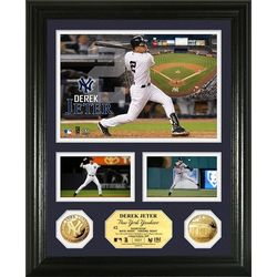 Derek Jeter Gold Coin Showcase Photo Mint