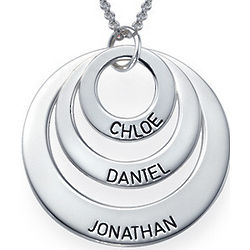 Personalized Three Disc Necklace for Mom