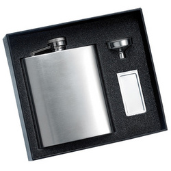 Calendered Finish Flask & Chrome Money Clip Gift Set