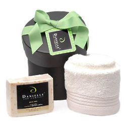 Pampering Organic Bath Holiday Gift Basket