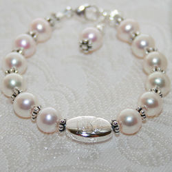 Sophisticated Grow With Me Pearl Bracelet