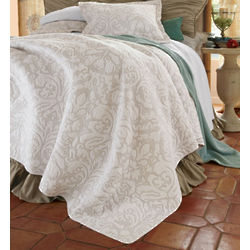 Queen Sized Amalfi Damask Quilt