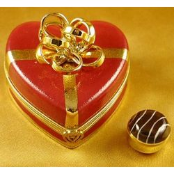 Red Heart with Gold Bow Limoges Box