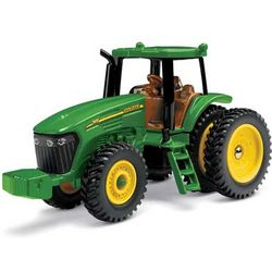 John Deere 7820 Toy Tractor with Row Crop Duals