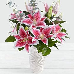 Cupid's Charm Liliy Bouquet