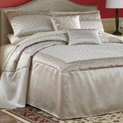 Arcadia King Bedspread