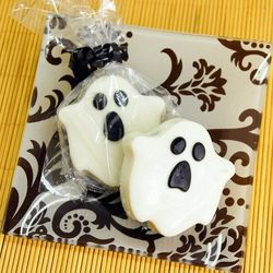 Ghost Design White Chocolate Covered Oreo Cookies