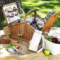 Santa Cruz Picnic Basket for Four with Coffee Set and Blanket