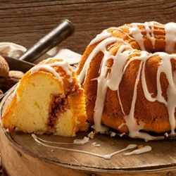 Cinnamon Walnut Crown Cake