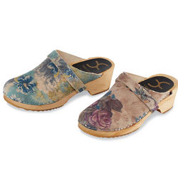 Waterlily Floral Clogs