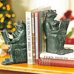 Reading Frogs Bookends