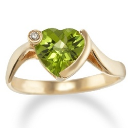 14kt Gold Peridot Heart Ring with Diamond Accent