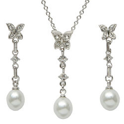 Bridesmaid's Butterfly Faux Pearl Drop Necklace and Earrings