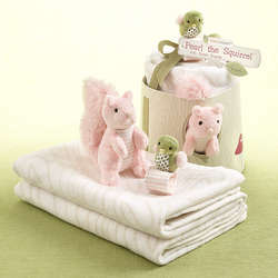 Pearl the Squirrel Baby Blanket Gift Set