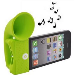 iPhone 4 Silicone Horn Stand Case