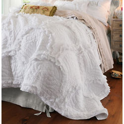 Sansa White Ruffled Summer Quilt