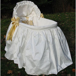 Lulla Smith Jolie Bassinet
