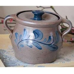 Bean Pot with Heart Pattern