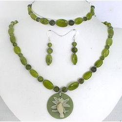 Olive Jade and Pearls Necklace, Bracelet and Earrings Set