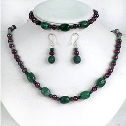 Jade, Aventurine and Pearls Necklace, Bracelet and Earrings Set