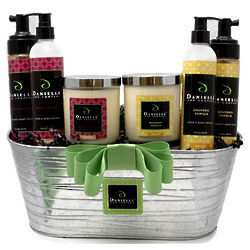 Happy Holidays Organic Deluxe Holiday Gift Basket