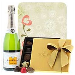 Celebrate Mom With Veuve Clicquot and Godiva Gift Set