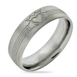 Men's Stainless Steel Claddagh Band