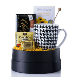 High Fashion Tea Gift Basket with Personalized Ribbon