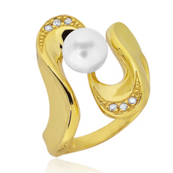 Cubic Zirconia and Pearl Ring in 14K Yellow Gold