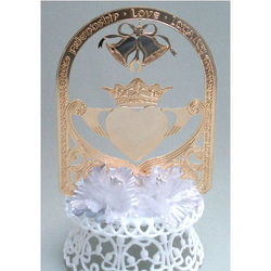 Gold-Plated Claddagh Wedding Cake Top