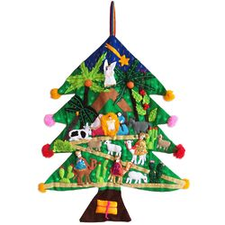 Happy Nativity Scene Appliqué Christmas Tree Wall Hanging