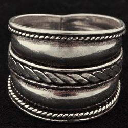 Rope Center Sterling Ring
