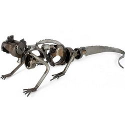 Rustic Iguana Lookout Auto Part Sculpture