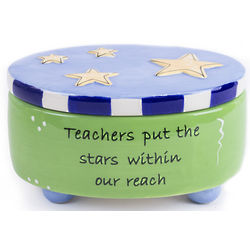 Teachers Put Stars In Reach Blessing Memory Box