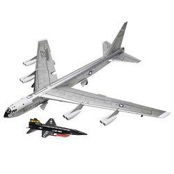 B-52 Stratofortress Jet Bomber Model Kit