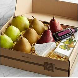 Pears and Blue Cheese Gift Box with Personalized Ribbon