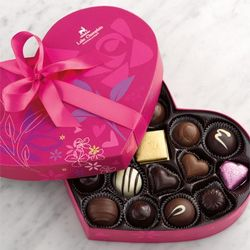 Grand Valentine Heart Box of Chocolates