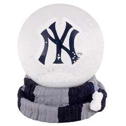 New York Yankees Scarf Snow Globe