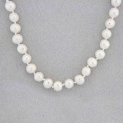 Hand-Knotted Freshwater Pearls Necklace