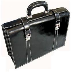 Tratavere Briefcase