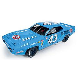 1972 Richard Petty Plymouth Road Runner Diecast Car