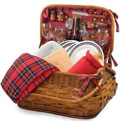 Chicago Bears Highlander Rattan Picnic Basket