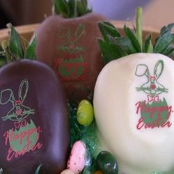 Easter Chocolate Covered Strawberries