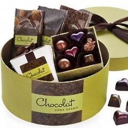 Tres Petite Chocolate Hatbox