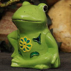 Solar Ceramic Frog Garden Light